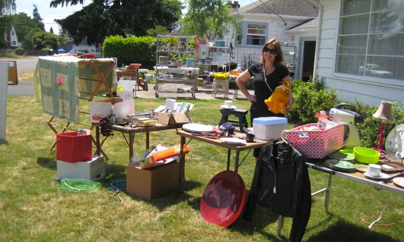 Hosting a digital online garage sale